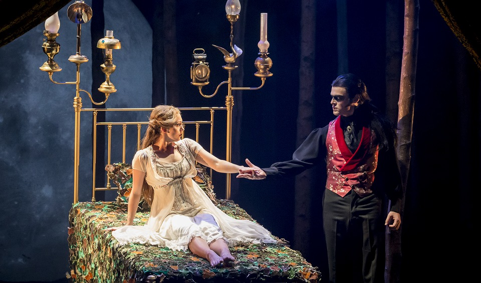 Matthew Bourne's SLEEPING BEAUTY. Ashley Shaw (Aurora) and Adam Maskell (Caradoc). Photo by Johan Persson